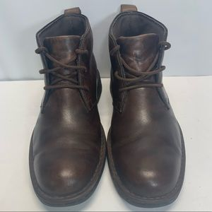 Men's Clark's Chukka Leather Ankle Boots size 9.5